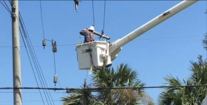 Florida Power and Light prevents users from using solar panels in emergency